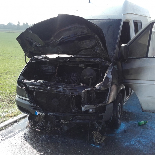 2016-03-22 Fahrzeugbrand